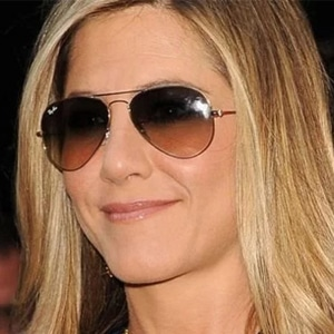 Aniston con unas Aviator