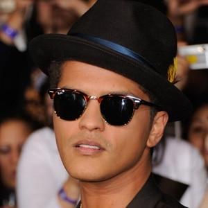 Bruno Mars con unas Clubmaster