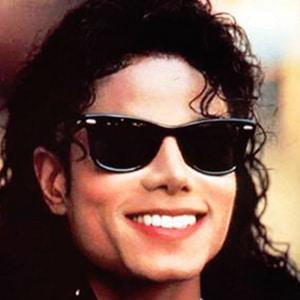 Michael Jackson con unas Wayfarer
